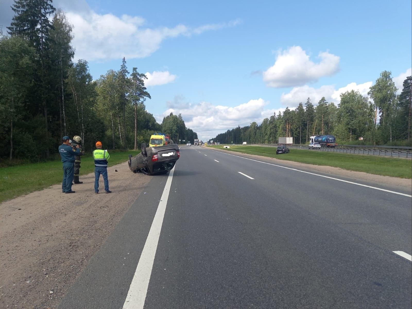 Водители не поделили дорогу под Тверью: есть пострадавшая