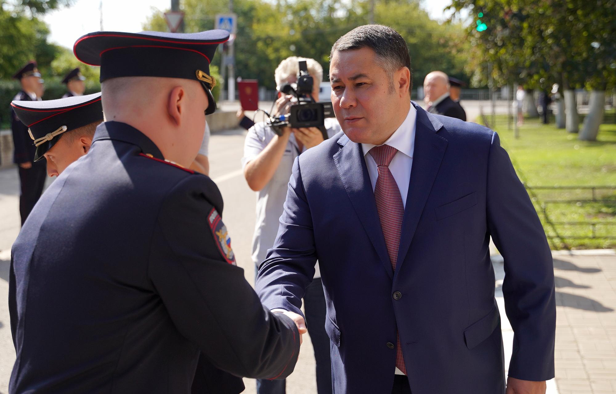Сотрудников Управления МВД России по Тверской области привели к присяге