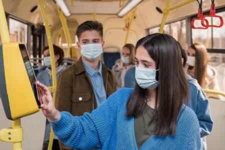 Жители Тверской области могут экономить на проезде в автобусах благодаря абонементам