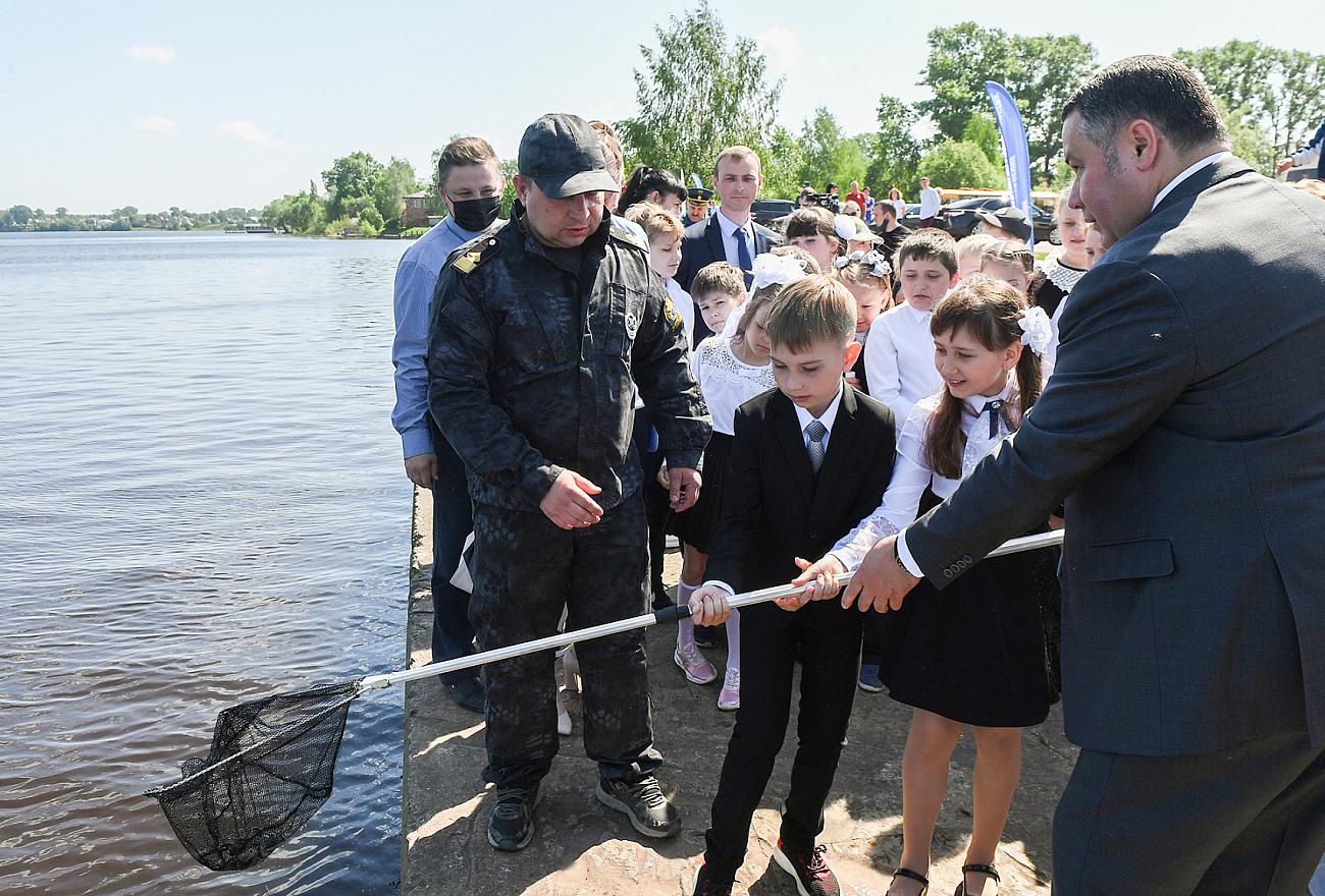 В водоёмы Тверской области выпустили больше 22 миллионов мальков