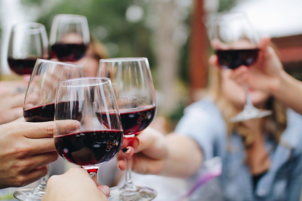 Любителям алкогольных посиделок в Тверской области придётся платить больше