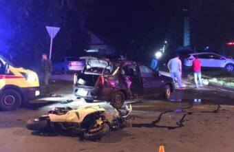 В Твери иномарка врезалась в мотоцикл: пострадали двое