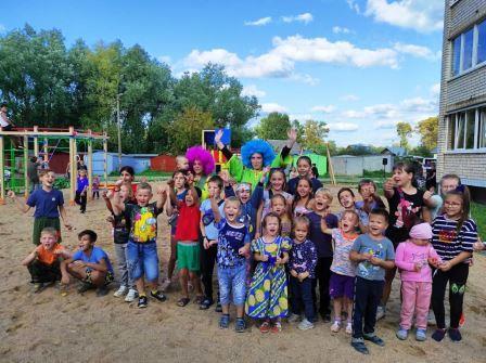 В Вышнем Волочке торжественно открыли детские площадки
