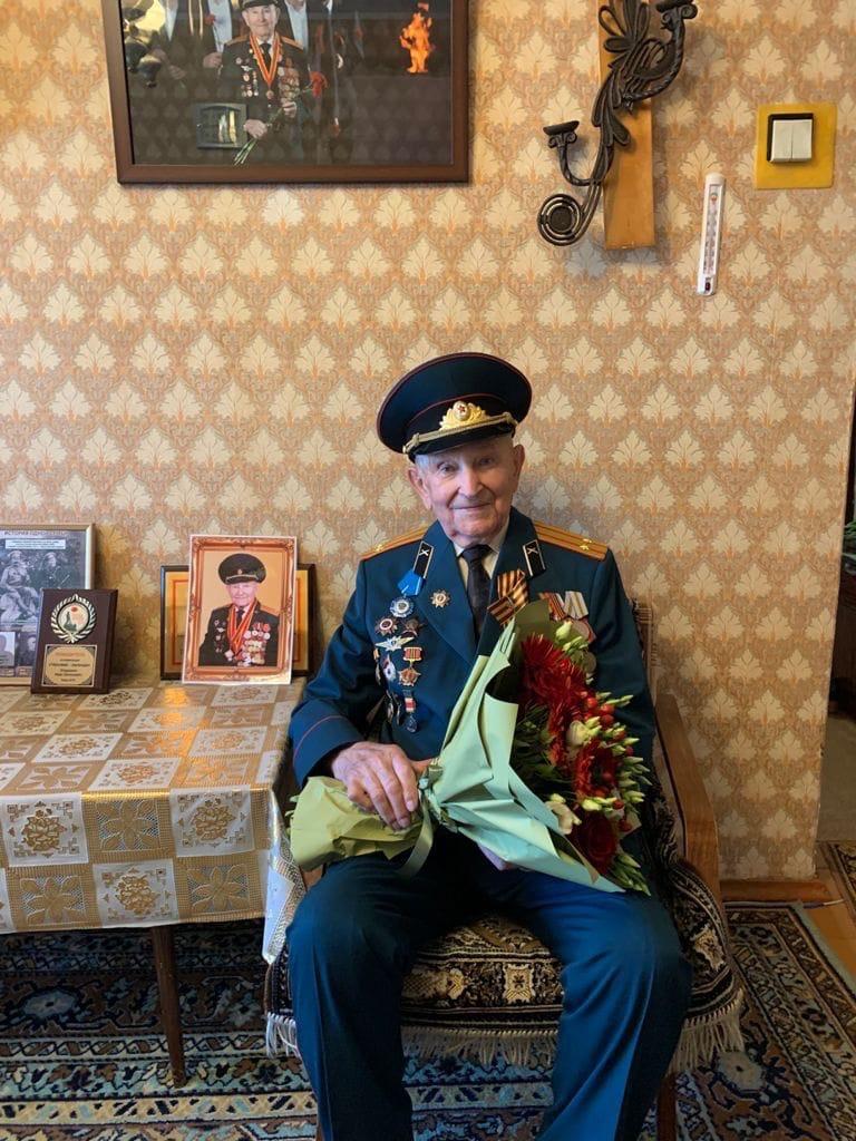 Участник Великой Отечественной войны Иван Евгеньевич Кладкевич отмечает свой 97-й день рождения