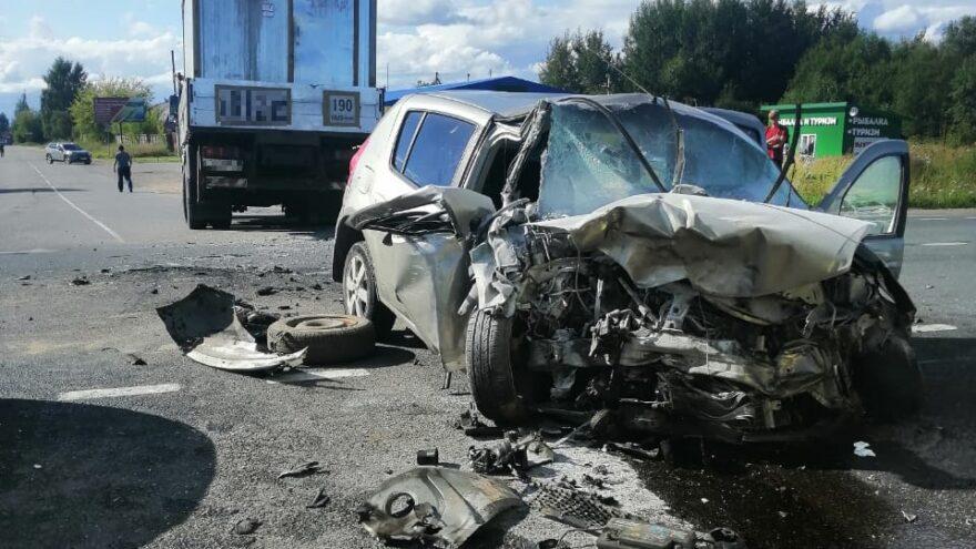 Девушка и женщина пострадала в столкновении двух иномарок в Тверской области
