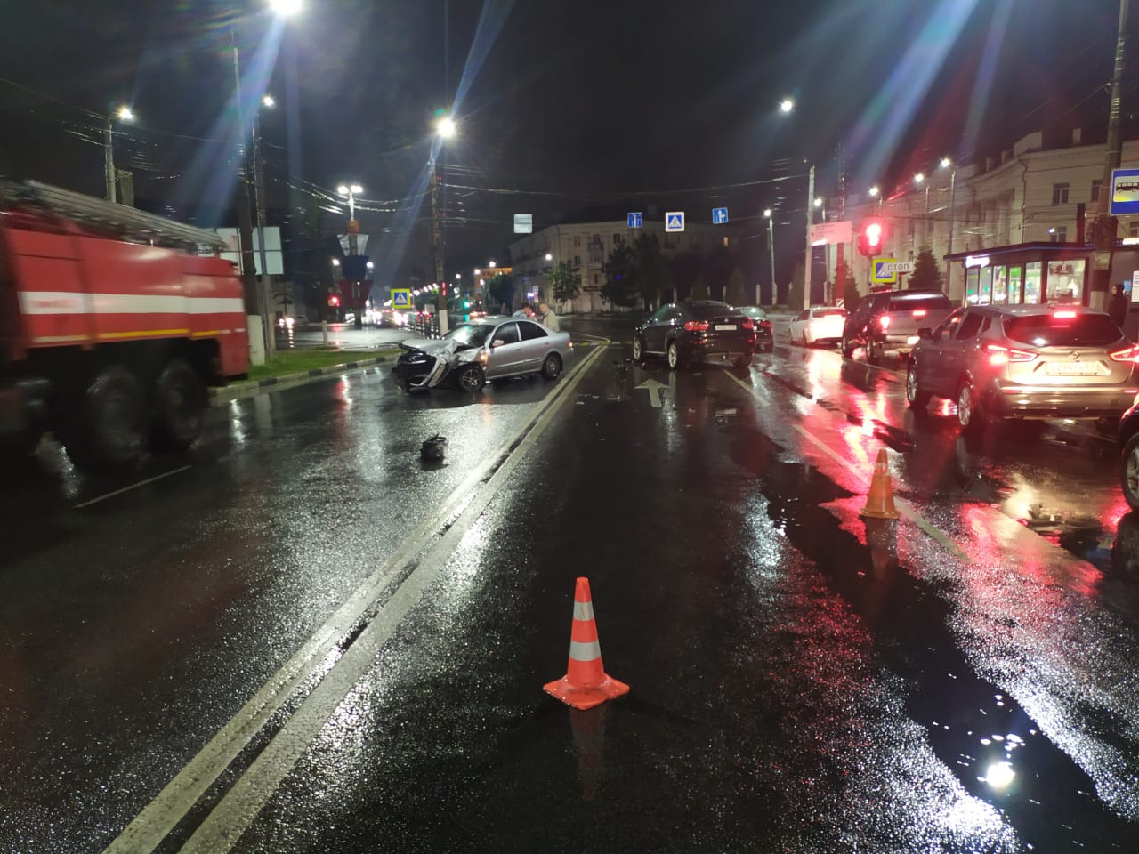 В Твери на площади Гагарина столкнулись три автомобиля