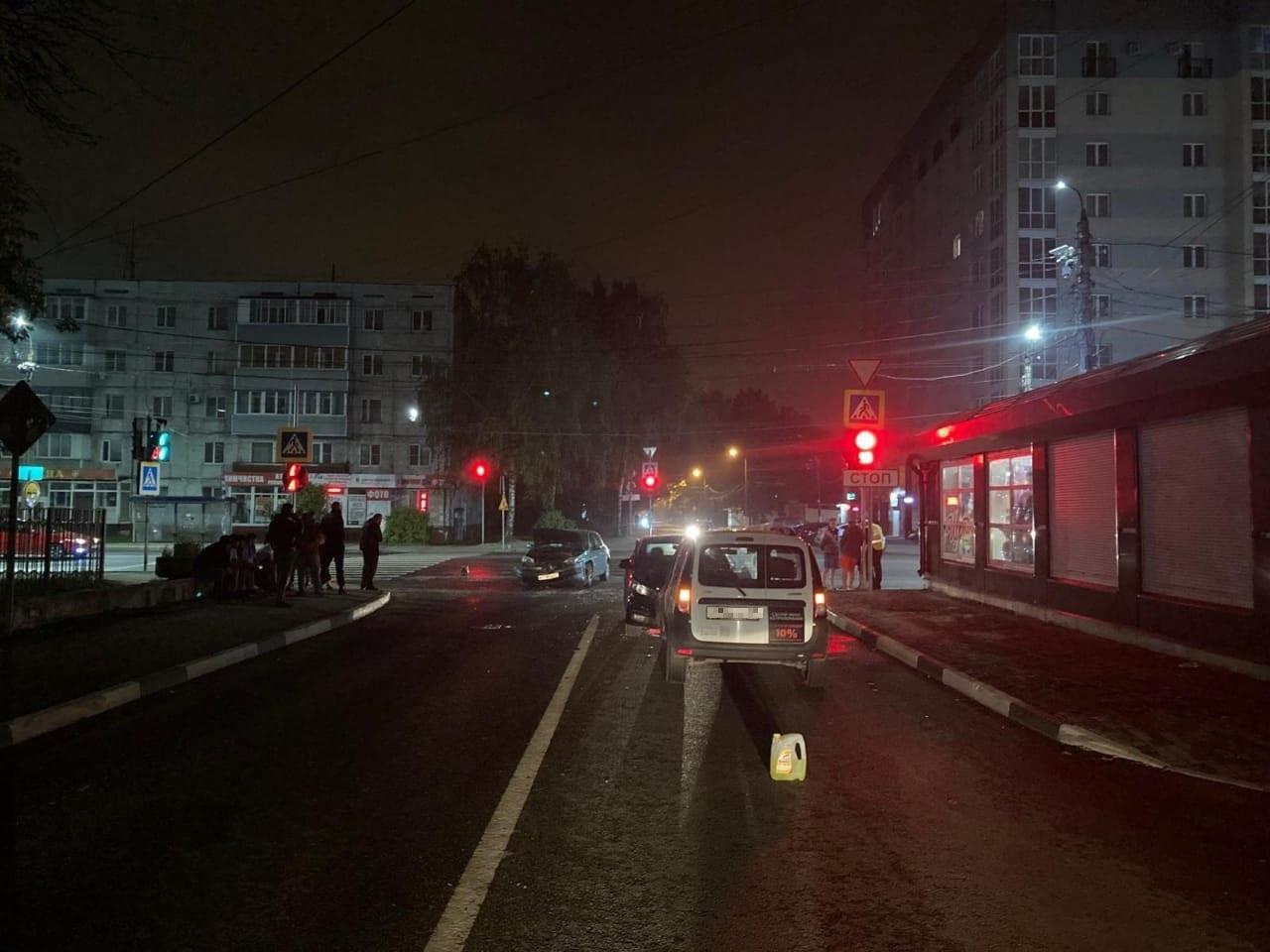 В Твери автоинспекторы выясняют причины ДТП на Волоколамском проспекте