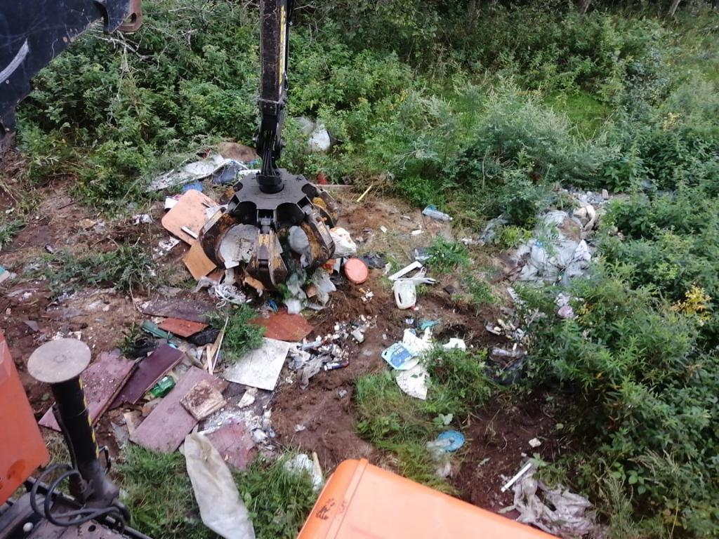 Три несанкционированные свалки ликвидировали под Тверью