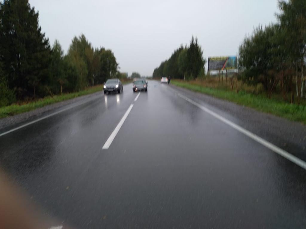 Пенсионер попал под колёса машины в Тверской области