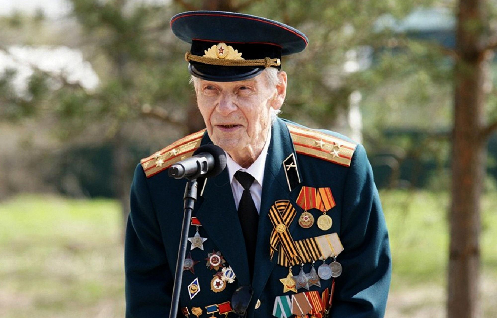 13 августа Тверская область простится с полным кавалером ордена Славы Иваном Рулевым