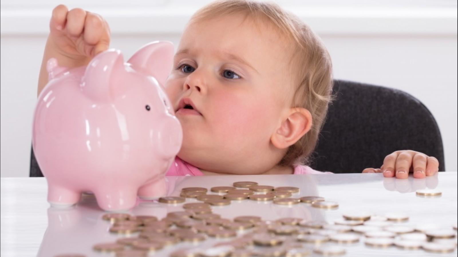 Минтруд напомнил о шести выплатах, положенных тверским семьям
