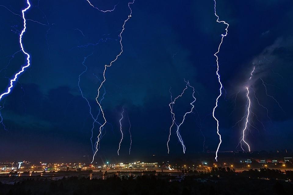 В Тверской области объявили жёлтый уровень опасности из-за сильного ветра и грозы