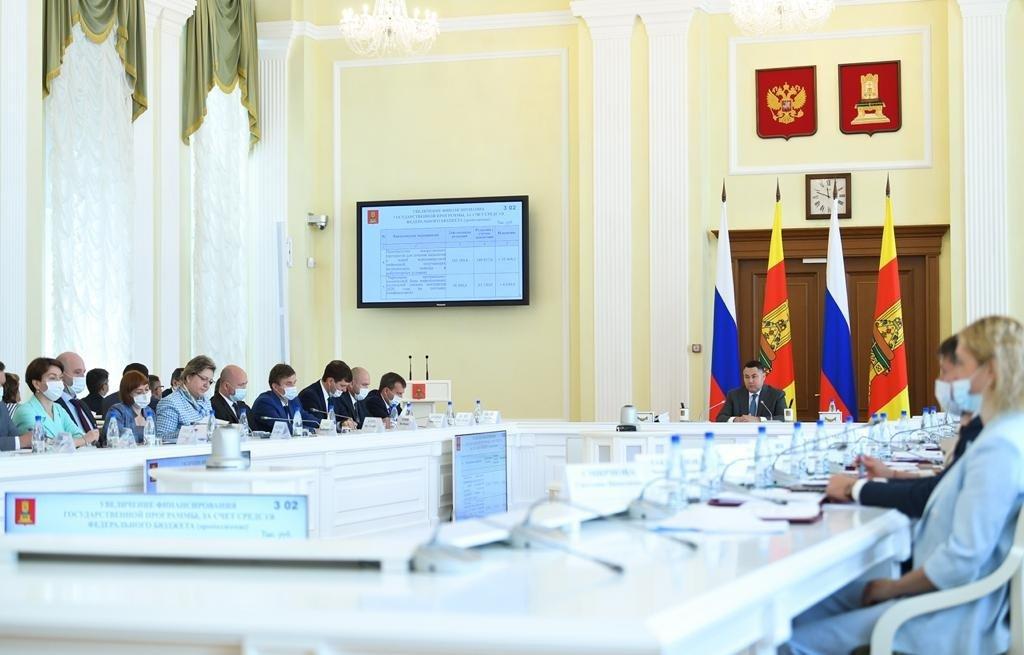За первое полугодие 2021 года в Тверской области трудоустроено больше 1200 медиков