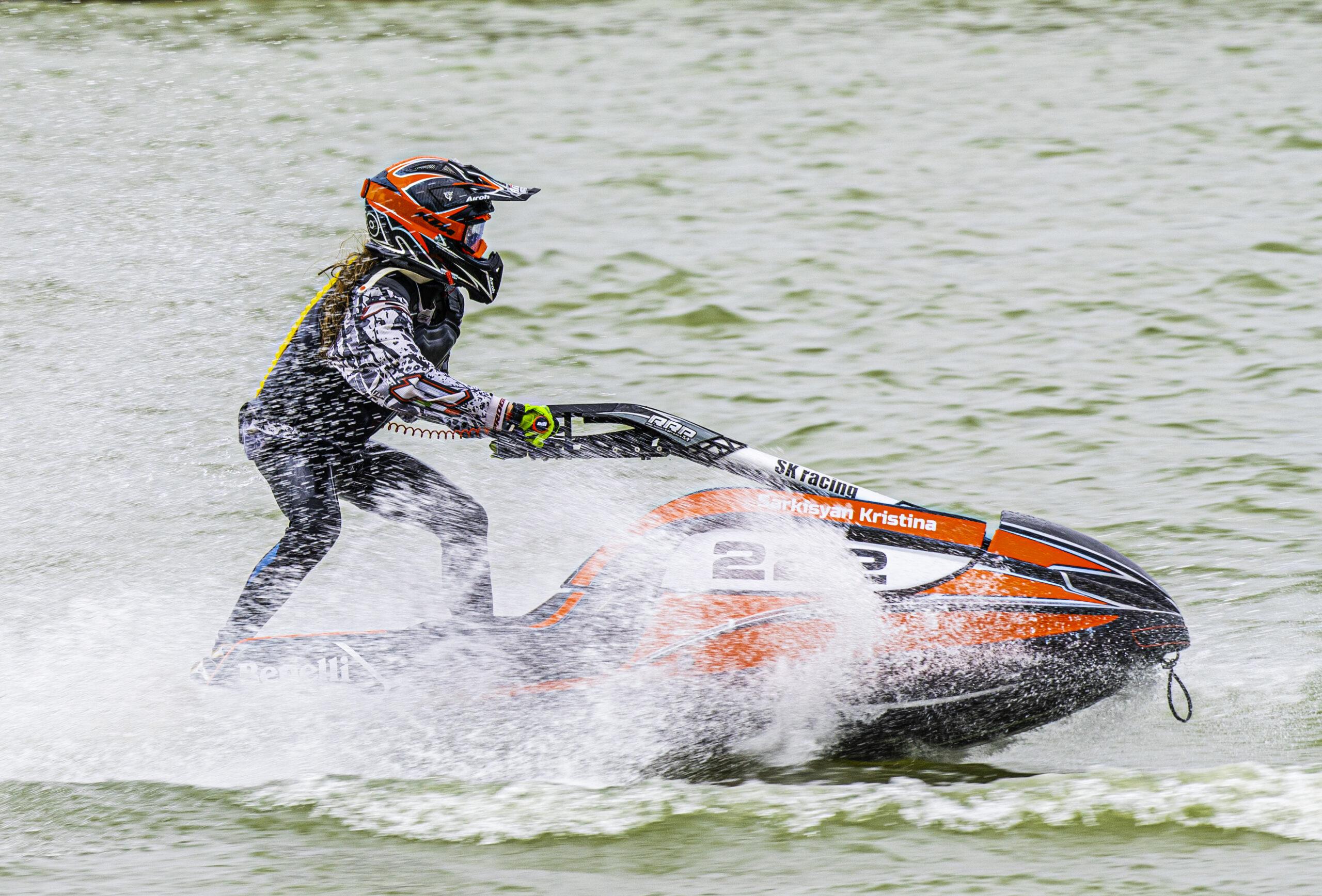 В Тверской области завершается чемпионат России по водно-моторному спорту