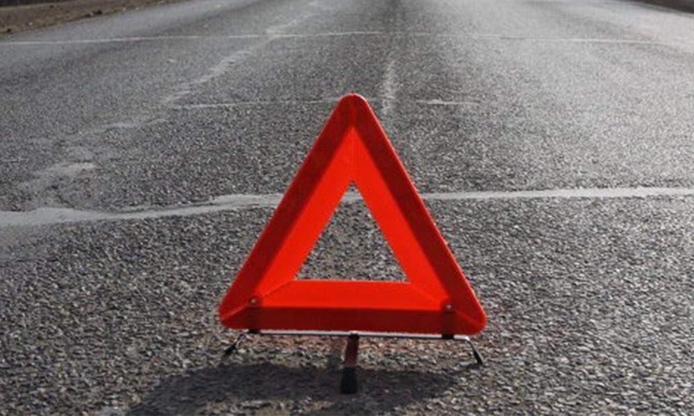 20-летний водитель «Лады» врезался в «Хёндай», который отъезжал от обочины