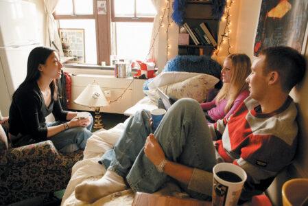 """""""Пусть не пищат"""": студенты тверского колледжа остались без общежития"""