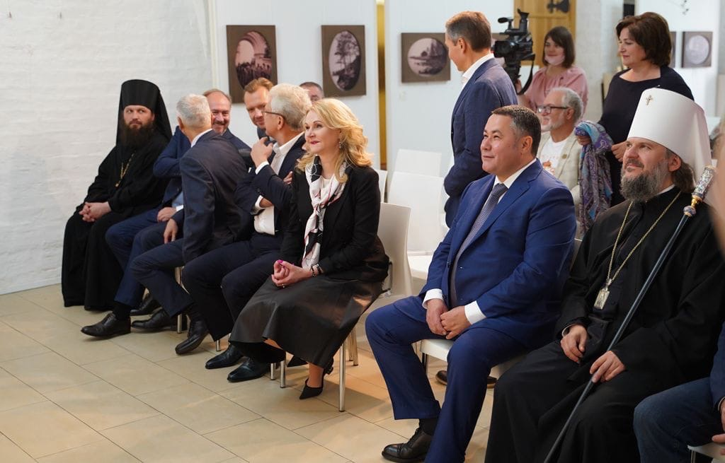 Игорь Руденя в Старице пожелал первоклассникам совершить великие открытия