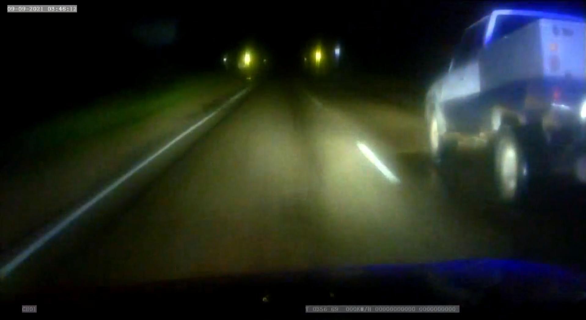 В Тверской области пьяного водителя удалось остановить только выстрелами по колёсам