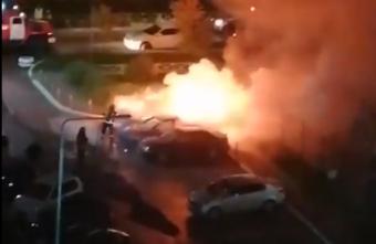 Ночью в Твери горели сразу 3 иномарки