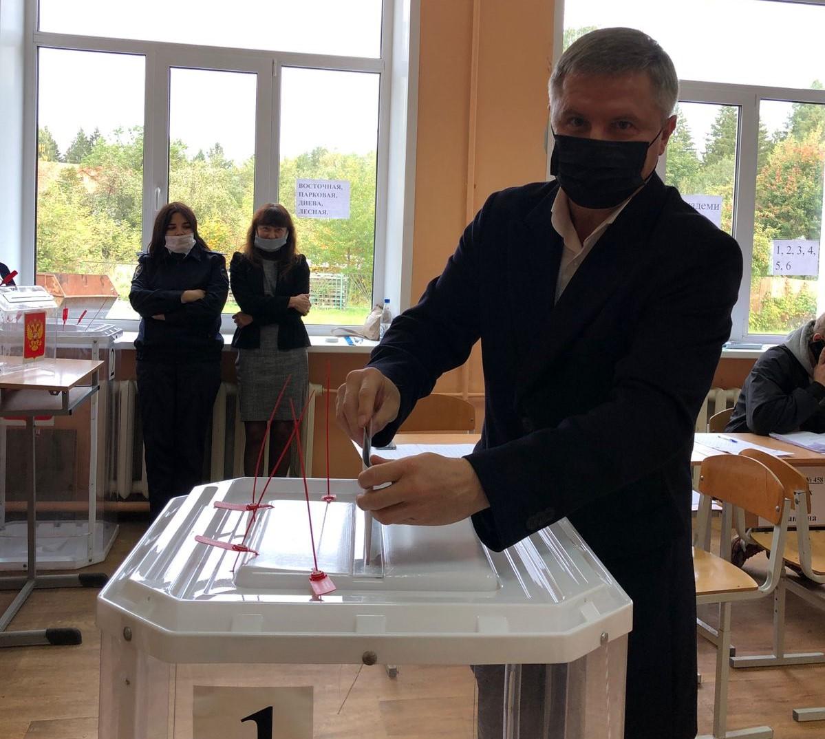 На избирательных участках в муниципалитетах Тверской области многолюдно