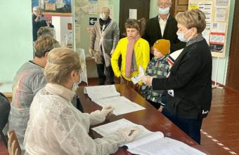 В Тверской области в выборах приняла участие многодетная семья Кузьменко, в которой 20 детей