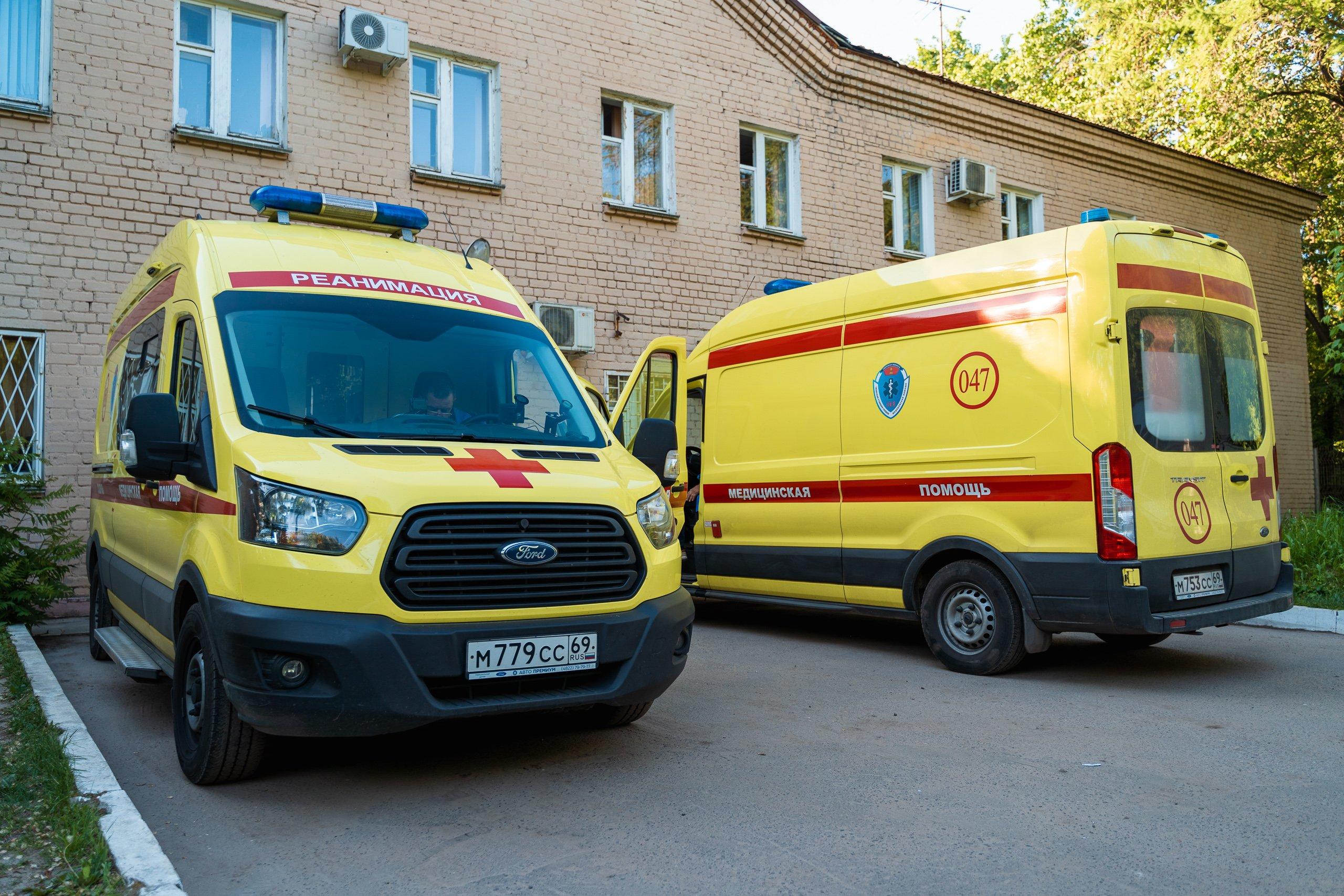 Тверские медики, которые прививают жителей от ковида, получат доплату