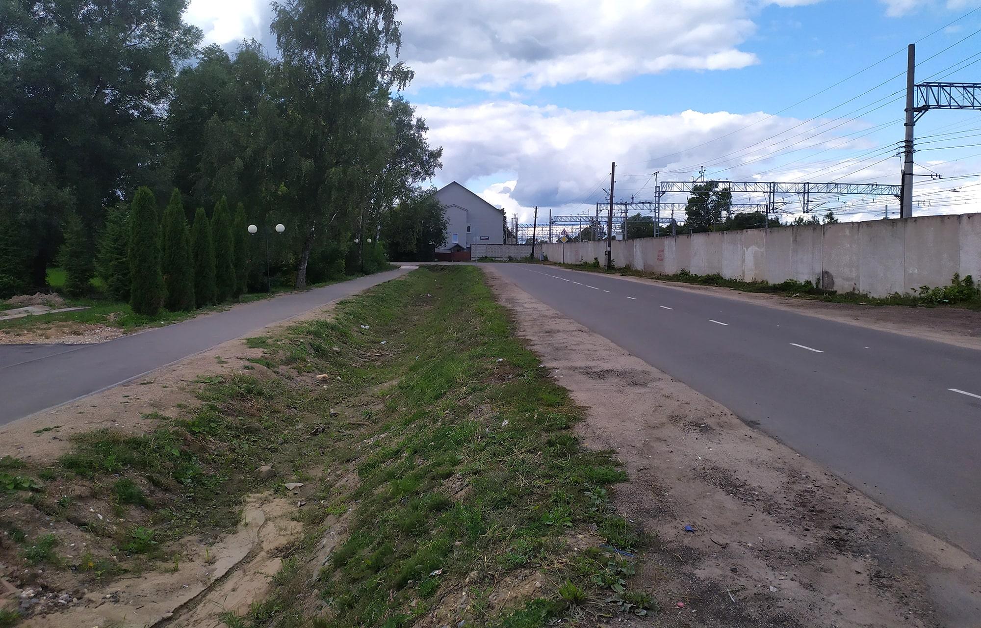 В Лихославле на отремонтированном участке дороги по улице Советская обустроили систему водоотведения