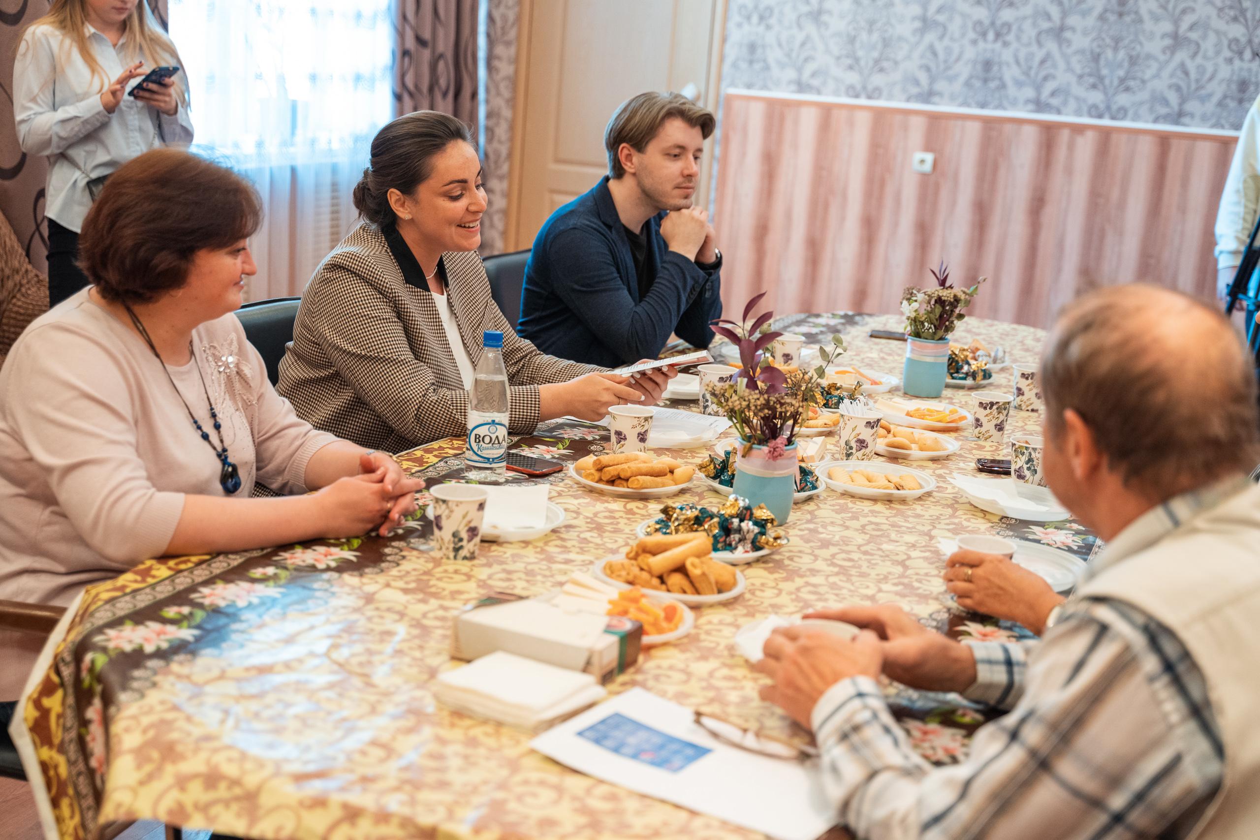 Юлия Саранова встретилась с вокалистами ансамбля академического пения