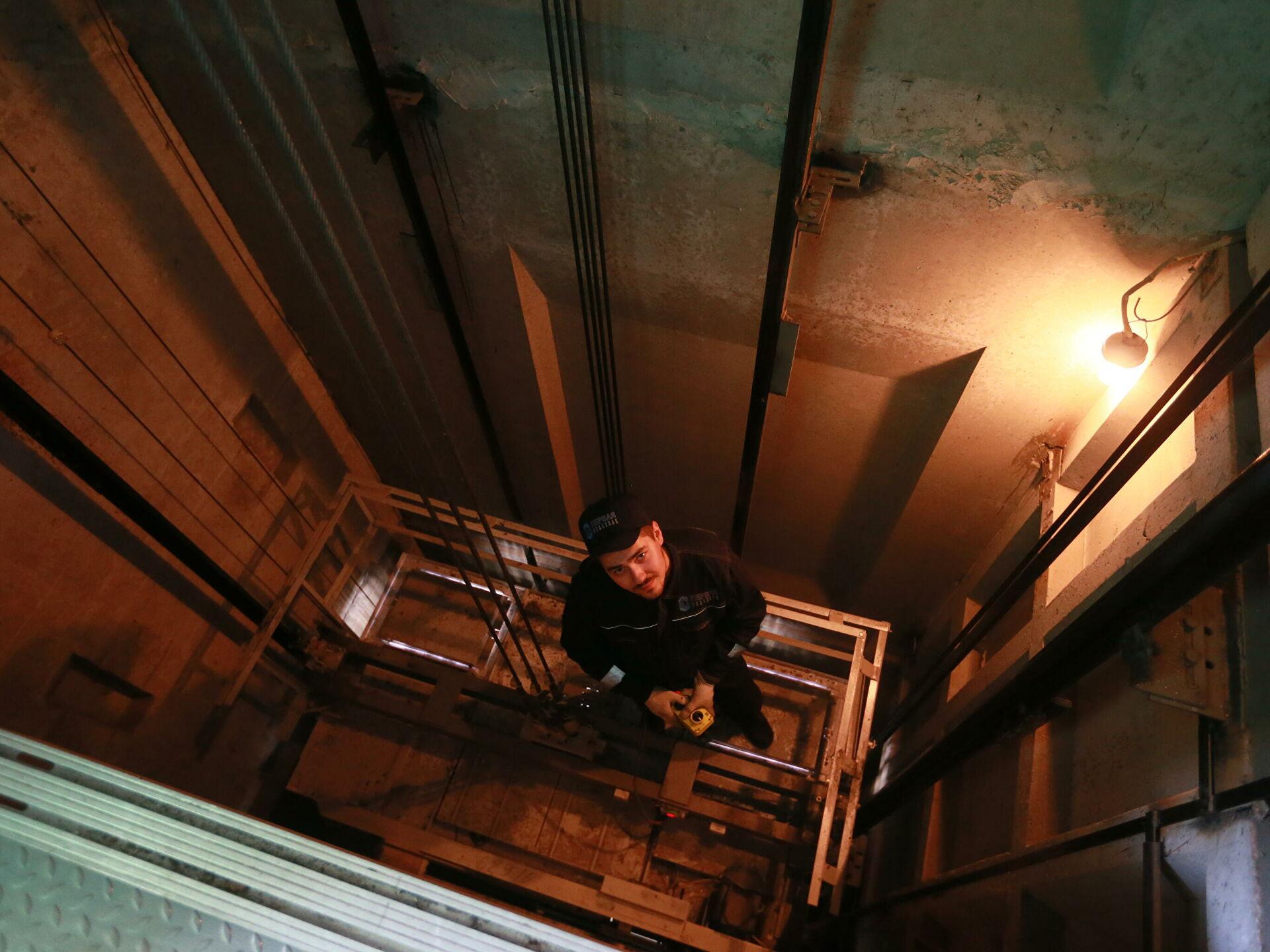 Бюджетная комиссия направит больше трёх миллионов на замену лифта в Тверской области