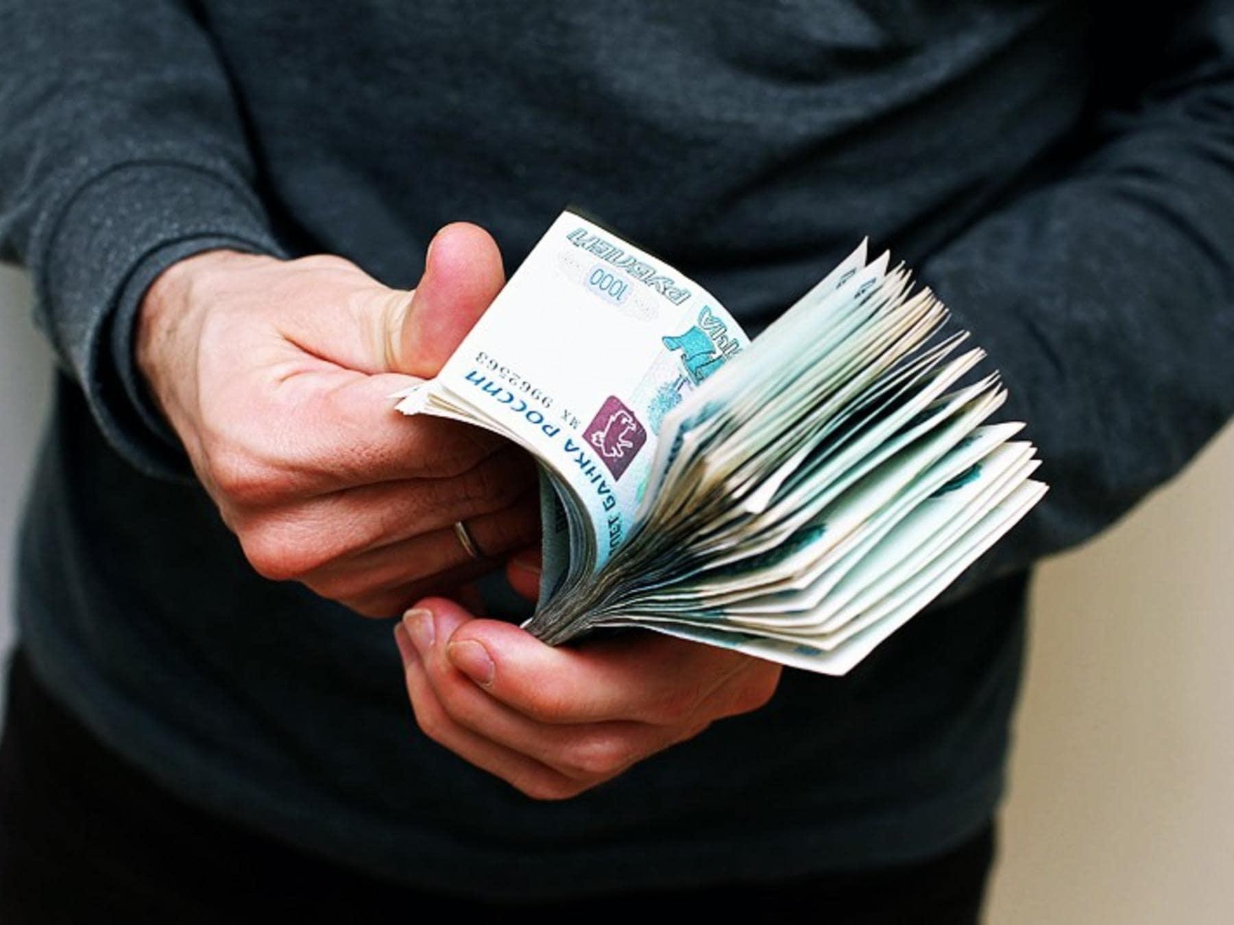 В Тверской области вымогатель требовал с мужчины 10 миллионов рублей
