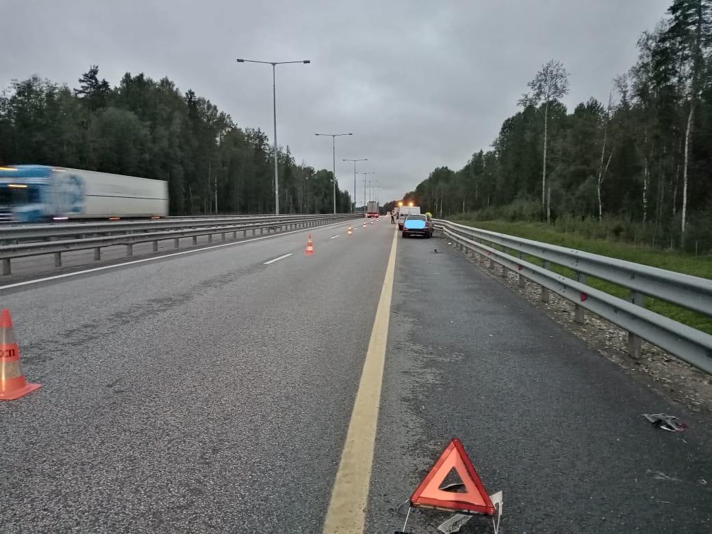На трассе М-11 в Тверской области молодой парень уснул за рулём