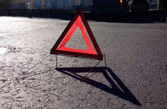 """В Твери водитель """"Лексуса"""" сбил девушку на пешеходном переходе и скрылся"""