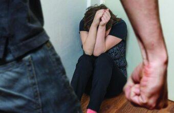 В Тверской области наказали мужчину, жестоко избившего 9-летнюю дочь