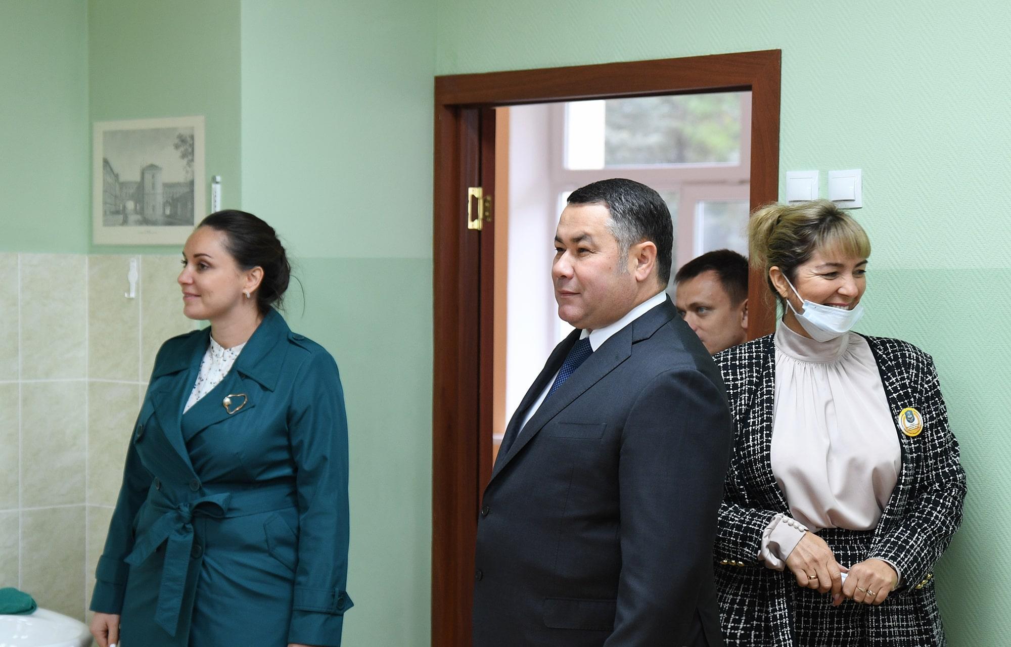 Директора и завучи школ Тверской области получат по 10 тысяч рублей