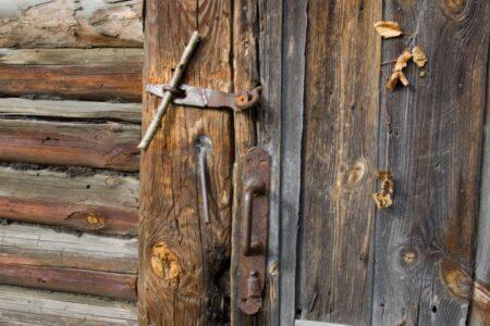 Поиск сбежавшей сожительницы обернулся для мужчины из Тверской области смертью