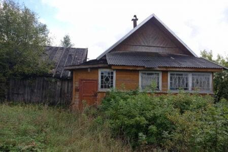 Молодой вор оставил жительницу Тверской области без плиты и дисков
