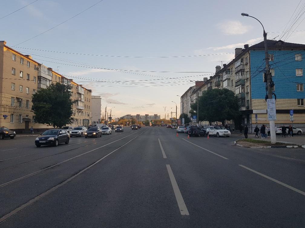 Два водителя пострадали в ДТП в центре Твери