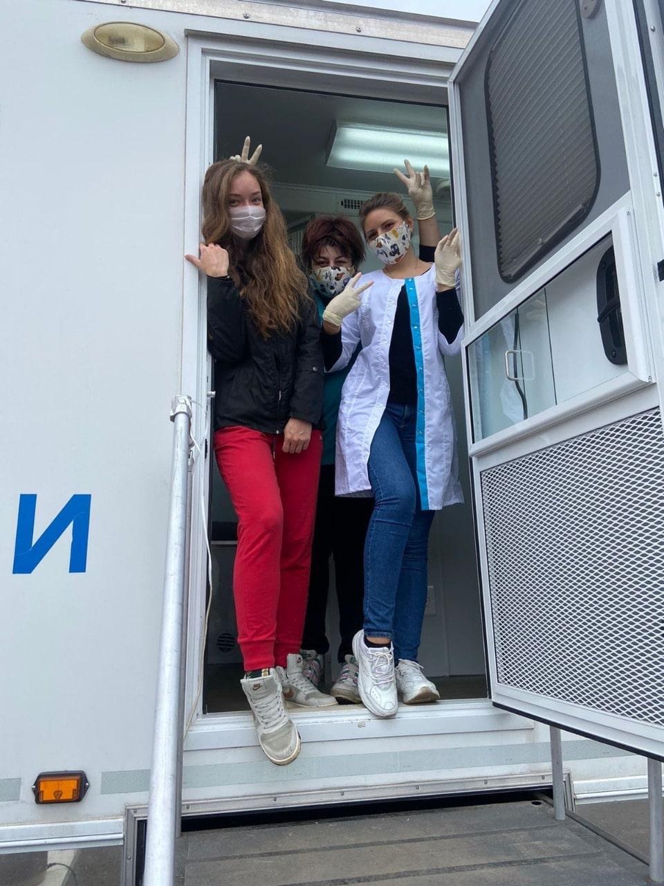 Мобильный День донора: сотни человек сдали кровь для тверских больниц