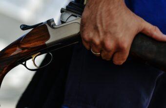 Мужчина похитил у жителя Тверской области ружьё, карабин и 150 патронов