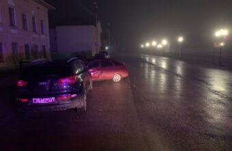 Пьяный водитель иномарки сбил пешехода и врезался в ВАЗ в Тверской области