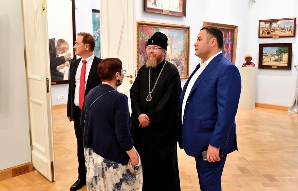 Губернатор показал митрополиту Тихону собор и дворец в Твери