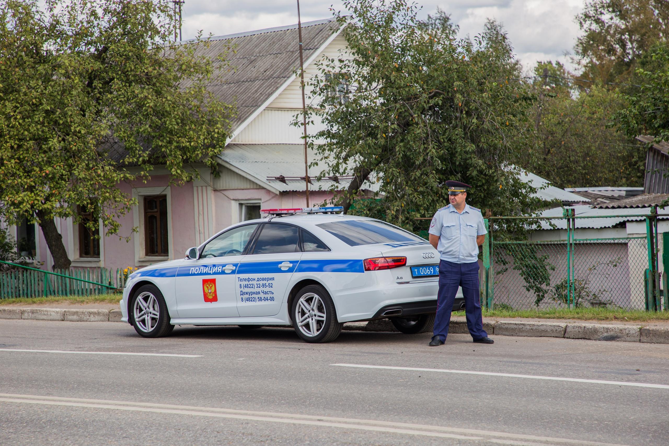 Стало известно, будут ли штрафовать водителей Тверской области за мощные магнитолы
