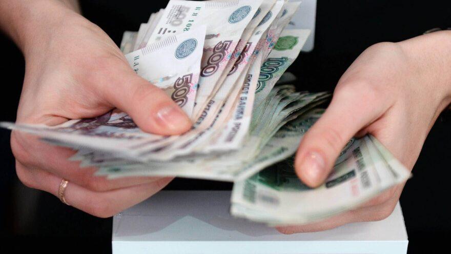 Бюджетникам Тверской области повысят зарплаты уже в октябре