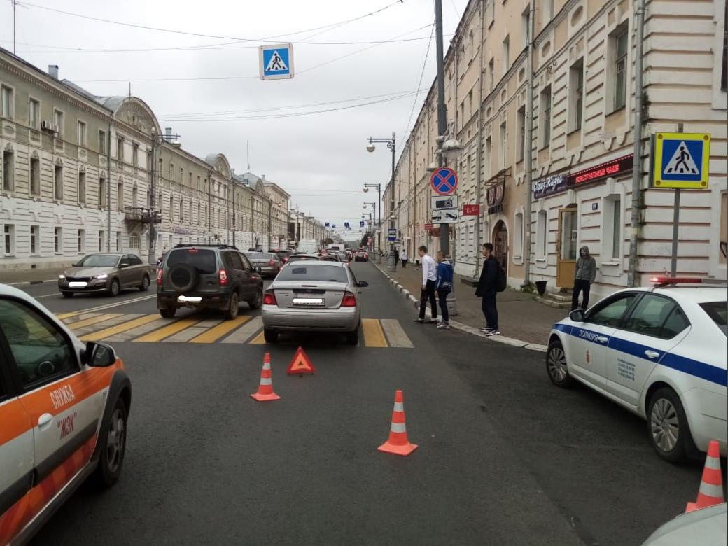 14-летнюю девочку сбила иномарка в центре Твери