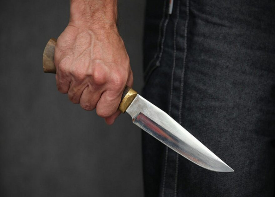 В Тверской области ревнивый мужчина зарезал нового сожителя своей бывшей девушки