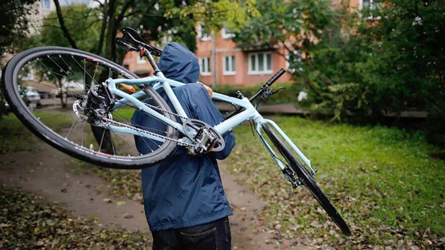 Житель Тверской области взял чужой велосипед, а теперь за это поплатится