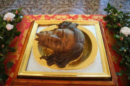 Старинную голову святого привезли в храм Тверской области