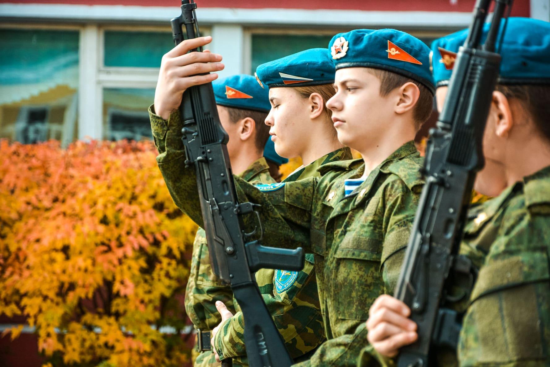 2 октября в Твери было много юных десантников