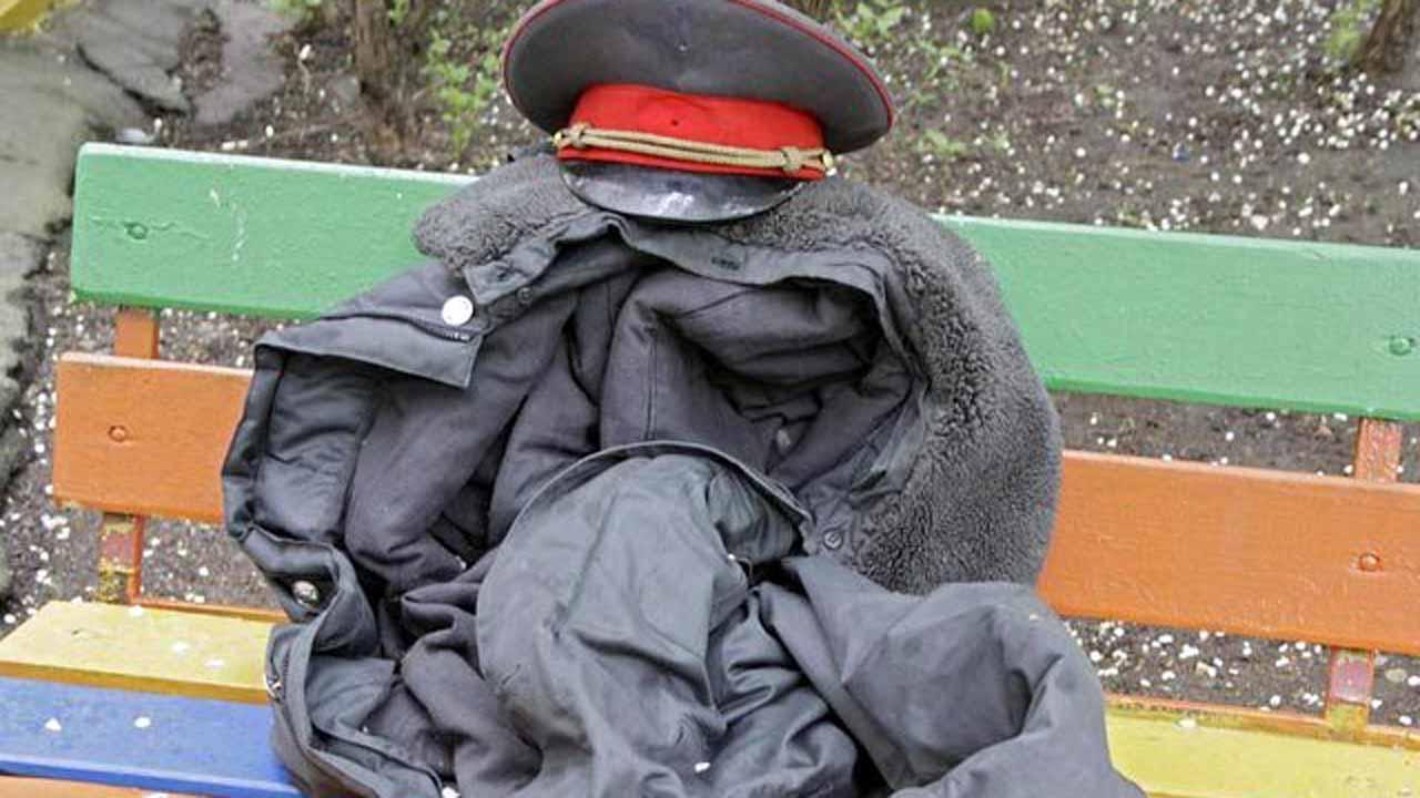 Полицейские и сотрудники банка помогли жителям Твери сохранить свои деньги