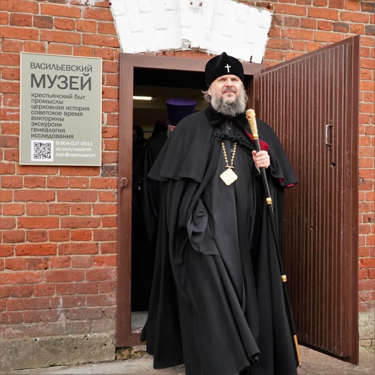 Митрополит Амвросий посетил музей гвоздарей под Тверью